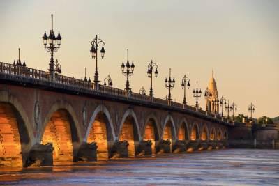 Bordeaux-Bridge-Large