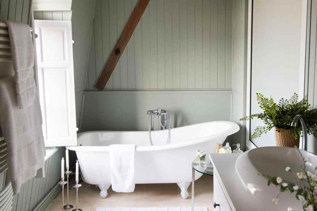 Château Magnifique Bathroom
