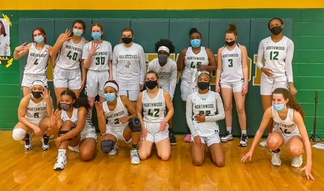 2021 NCHSAA basketball third round scores and regional finals pairings