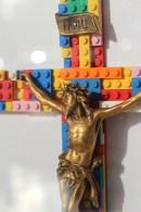chat-maigre-crucifix-cadre-couleur-2