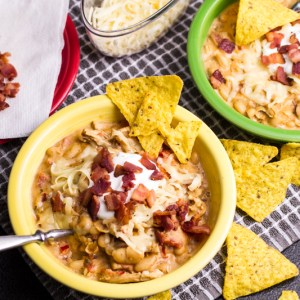 Chicken bacon ranch chili is everything that you want from a winter dish...warm, thick, flavorful, and hearty. Try this different twist on white chicken chili! | chattavore.com