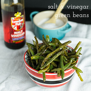Salt and vinegar green beans have all the tangy and salty flavors of salt and vinegar chips, without the greasy-fingered temptation to eat the whole bag! | recipe from Chattavore.com