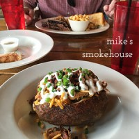 Mike's Smokehouse on South Broad Street in Downtown Chattanooga serves great barbecue in a cozy setting! | restaurant review from Chattavore.com