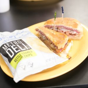 Greg's Sandwich Works is a great restaurant in the Brainerd/East Brainerd area serving sandwiches, hot dogs, salads, baked potatoes, and more! | restaurant review from Chattavore.com