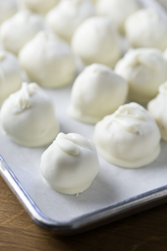 These wedding cake bites are made from a mix, so they're SO easy - but they're still great for a special occasion or just to satisfy your sweet tooth! | Recipe from Chattavore.com