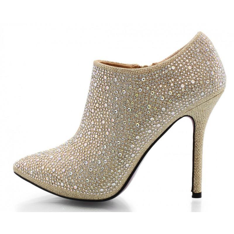 quelles chaussures porter avec une robe de mari e. Black Bedroom Furniture Sets. Home Design Ideas