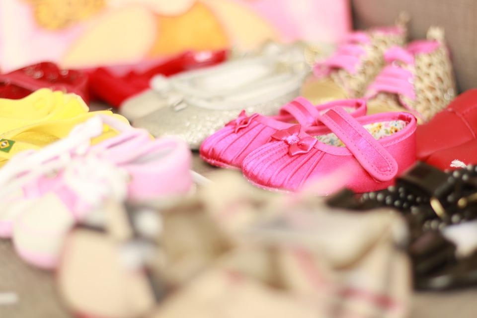 Pourquoi les chaussures enfantines ne s'adaptent-elles pas à une petite pointure femme ?