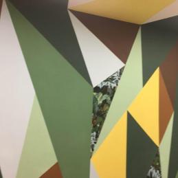 Le papier-peint Jungle est posé sur certaines formes