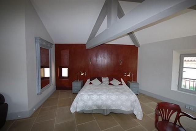 Tête de lit décoré à la chaux