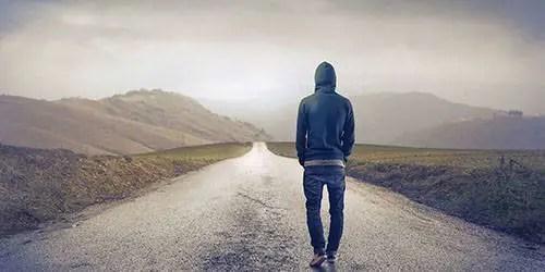 Você já se perguntou por que certas pessoas preferem ser por si mesmas? Longo são consideradas antissociais, esses indivíduos reclusos são o foco de um nov o estudo. Embora esses indivíduos sejam considerados introvertidos, eles também podem possuir qualidades como força, confiança e uma alta compreensão de si mesmos. Nós somos apenas incapazes de ver essas qualidades porque essas pessoas nos mantêm escondidos de nós? Por que os introvertidos querem manter suas características positivas escondidas do público? É porque eles não têm confiança nos outros? O mundo moderno está cheio de indivíduos vãos e narcisistas. Talvez o impacto que as mídias sociais tenham nessa geração esteja correlacionado com o crescente número de pessoas introvertidas hoje?