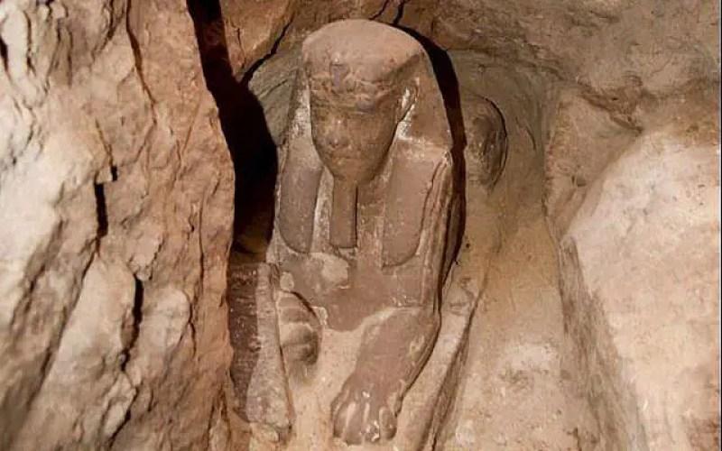 A Grande Esfinge encontrada perto do Templo Kom Ombo