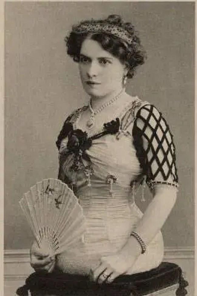 A meia mulher Mademoiselle Grabrielle