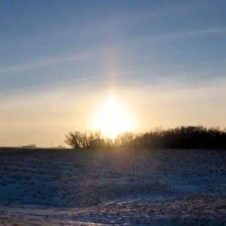 Outros pilares de luz aparecem no céu da Latvia