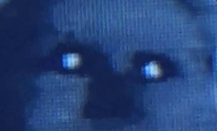 Bebê possuído por demônios - Pais chocados ao ver seu bebê possuído por um demônio no berço