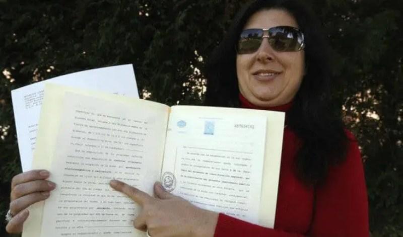 Jornal espanhol noticia que mulher se diz dona do Sol