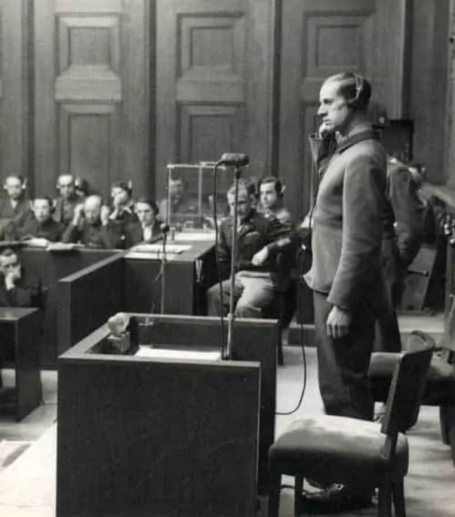 Karl Brandt no seu julgamento