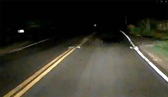 Filmaram uma sombra espectral em uma rodovia dos EUA