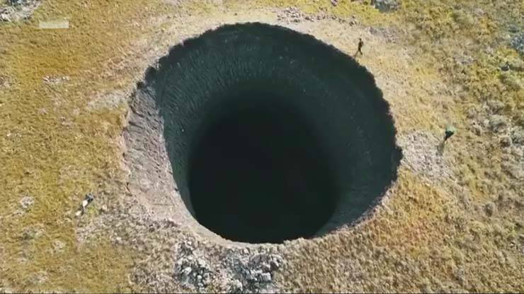 Um novo buraco gigantesco aparece na Sibéria e os cientistas estão preocupados
