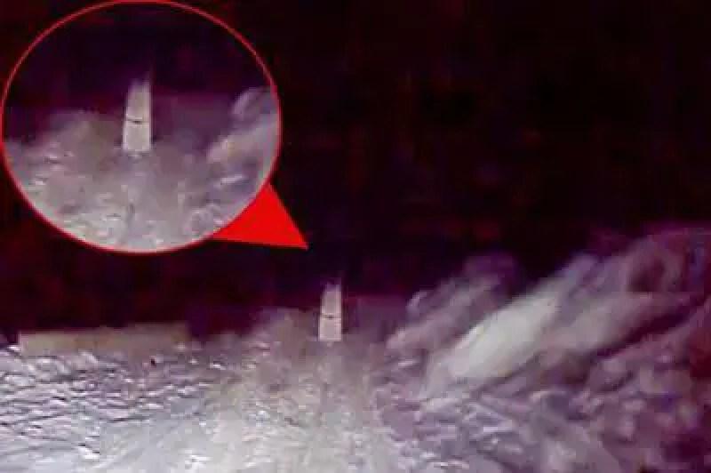 "motorista flagra ""noiva fantasma"", morta há 27 anos, no meio de estrada russa"