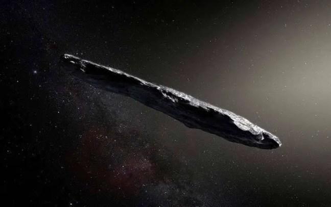 Na ocasião, segundo Loeb, o objeto extraterrestre viajou em direção ao nosso Sistema Solar vindo da estrela de Vega, que fica a cerca de 25 anos-luz de nós.