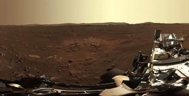 O principal objetivo dos veículos é explorar as rochas e os solos de Marte a procura de indícios da existência de água em Marte.