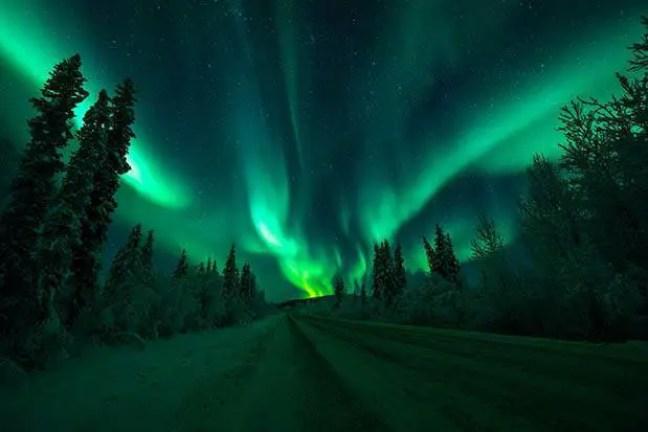 Tempestades solares podem causar auroras.