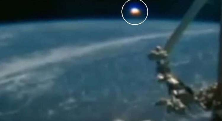A Estação Espacial Internacional captura um OVNI gigante do tamanho de um planeta na Terra.