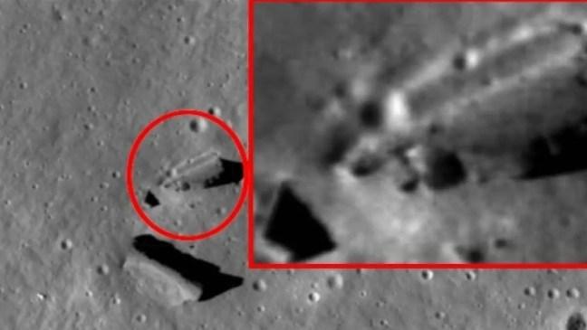Paracelso é uma cratera de impacto na Lua 's lado . Ele está localizado a leste da cratera Barbier e a sudoeste da grande planície murada de Vertregt . Ao sul está o Mare Ingenii , um dos poucos maria lunar do outro lado.
