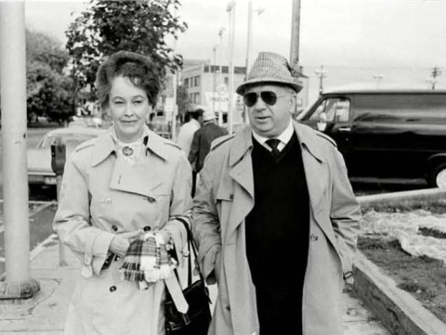 Foto dos investigadores reais Ed e Lorraine Warren.