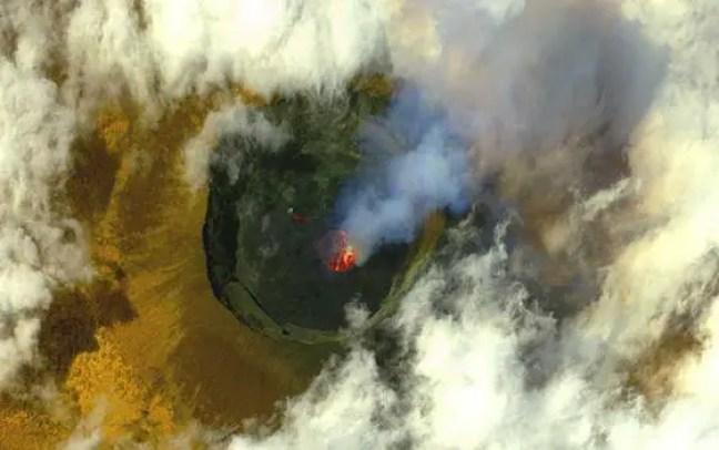 Imagem de satélite do vulcão Nyiragongo, perto de Goma, na República Democrática do Congo