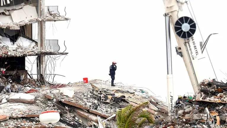 Champlain Towers South quando ele desabou.