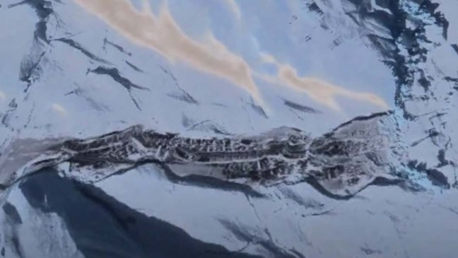 Descoberto restos de uma base nazista ou extraterrestre na Antártica.