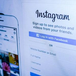 How to stop cyber bullying screenshot of instagram log in screen