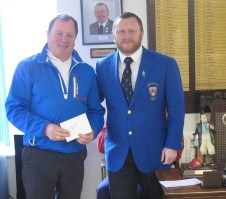 Cliff Dewes, Sunday's competition nearest the pin winner