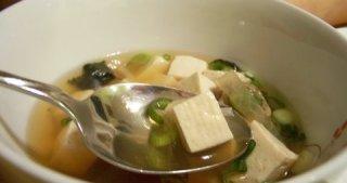 Recipe: Japanese Soup with Daikon, Tofu and Mushrooms