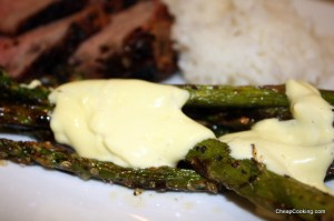 Asparagus with homemade mayonnaise