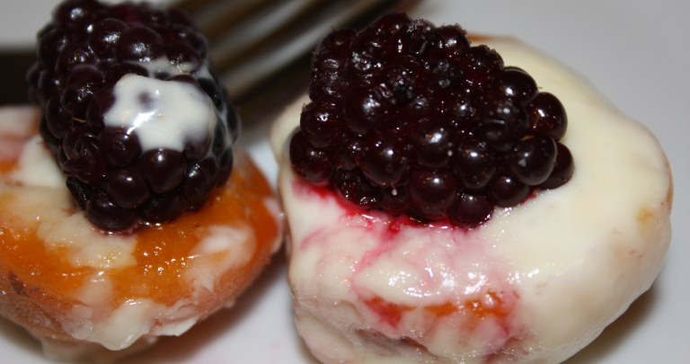 Broiled Apricots with Blackberries and Mascarpone