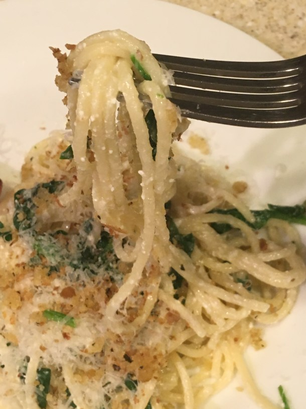 Pasta with spinach, ricotta and crispy bread crumbs,