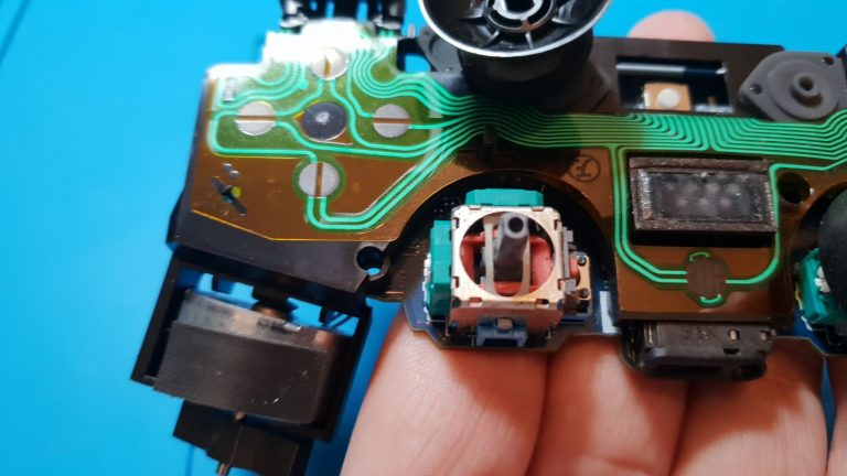 How to fix worn PS4 controller analog sticks | Cheaper Gamer