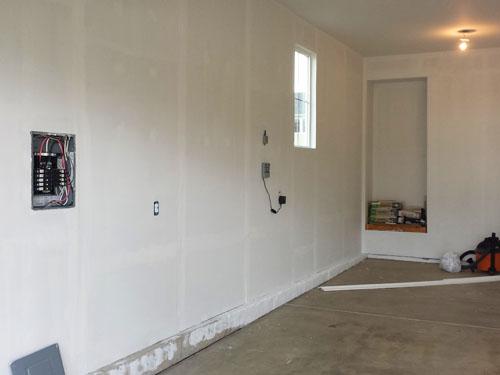 Pintura de las paredes y el techo del garaje