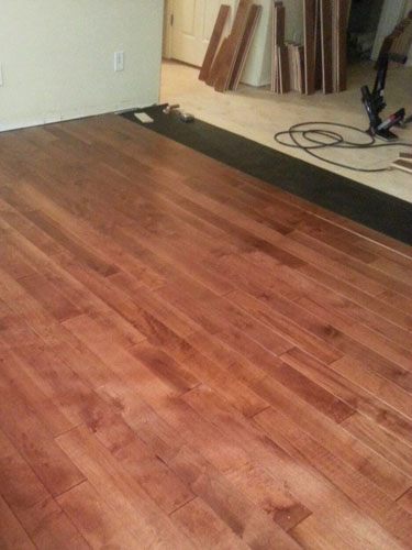 installing-hardwood-flooring-in-the-living-room