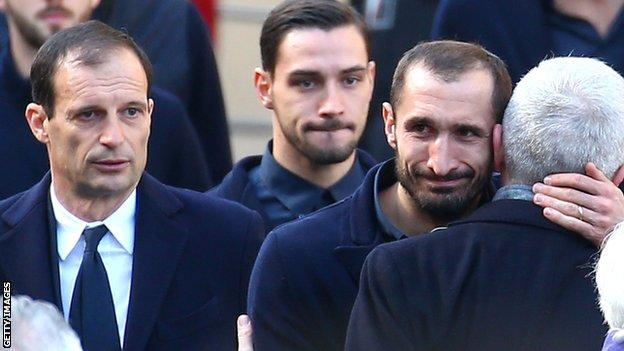 Davide Astori Funeral: Thousands Of Fans Pay Tribute 9