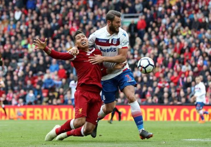 Top Pictures Of The 2017/18 Premier League Season 67