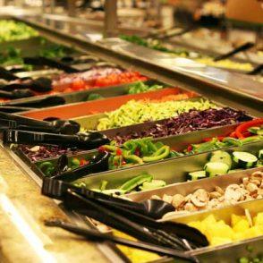 Saving money using the grocery store salad bar
