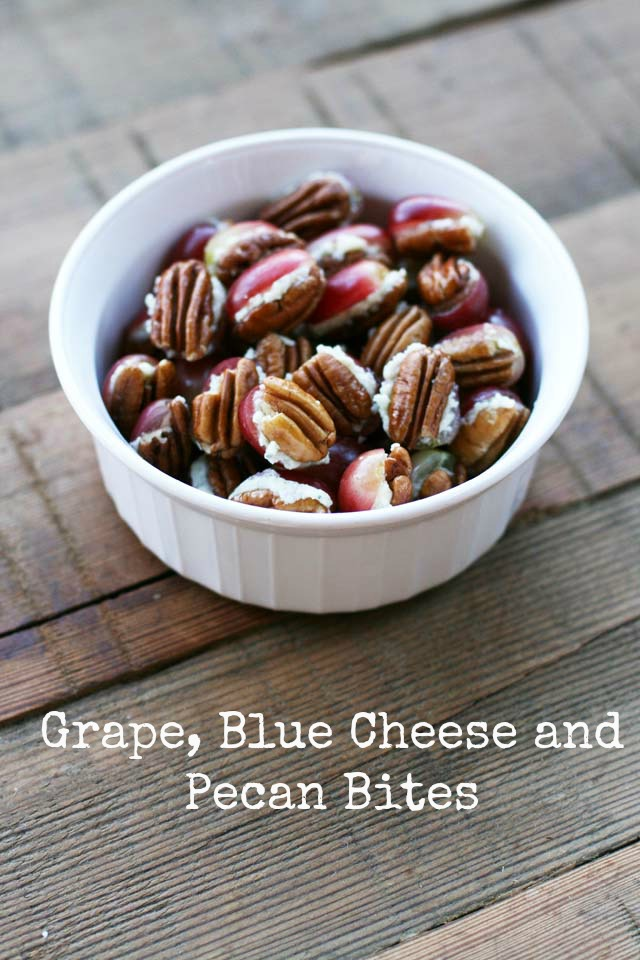Grape, blue cheese, and pecan bites. 3 ingredients! Repin to save.