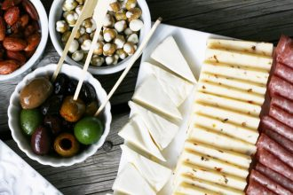 Cheap appetizers for a party - The $10 appetizer spread