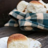 Perfect dinner rolls recipe. My great aunt's family-famous recipe. Click through for instructions!
