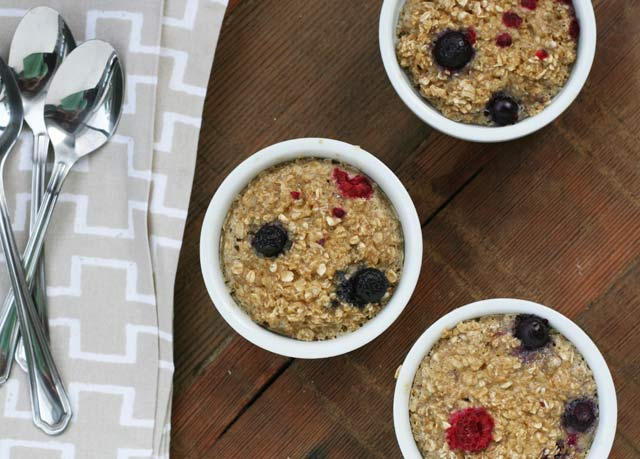 Berry baked oatmeal. Just $1.47 for entire recipe! Repin to save.