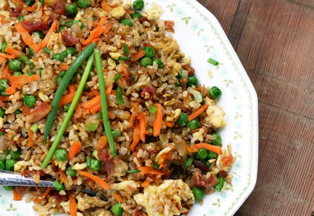 Bacon fried rice recipe, from Cheap Recipe Blog. Probably the best fried rice you'll ever eat! Repin to save.