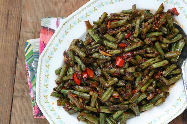 Spicy green bean appetizer: A popular restaurant appetizer is easy to make at home.